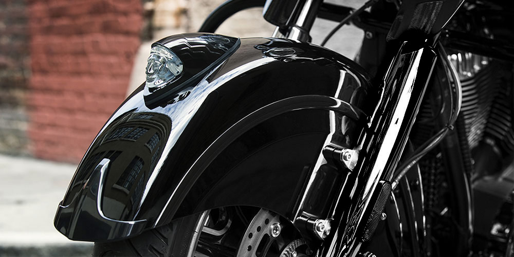 2016 Chieftain Dark Horse Valenced Fenders