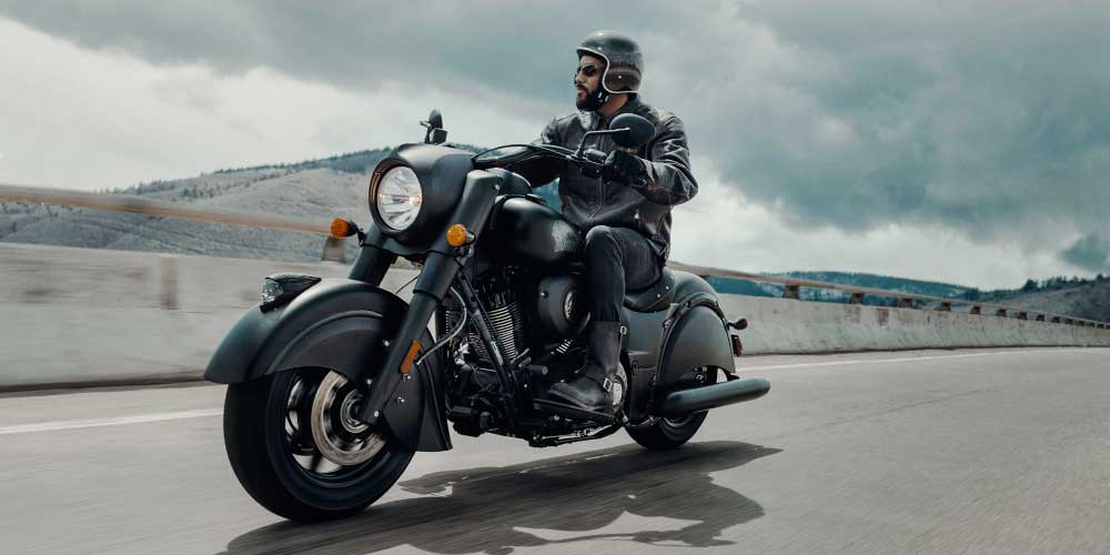 2019 Chief Dark Horse Thunder Black Smoke Agile Handling And Control