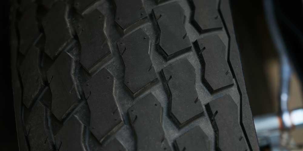 2019 FTR 1200 flat track inspired tires